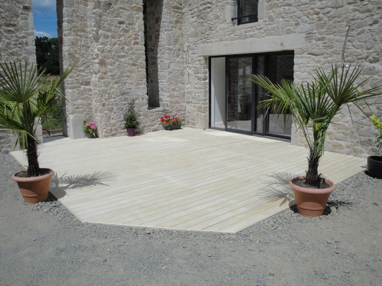 Terrasse en Accoya à Saint-Herblain